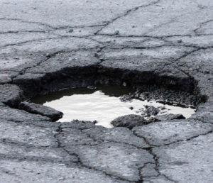 Ямочный ремонт дороги своими силами быстро и недорого
